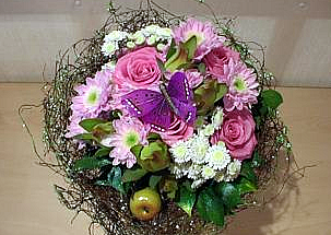 Boquet with 5 pink roses and chrisanthemums - Siana